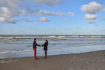 promofoto love shoot fotoshoot aan zee fdoor fotograaf